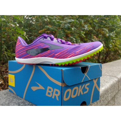 BROOKS Pointes Mach 18...