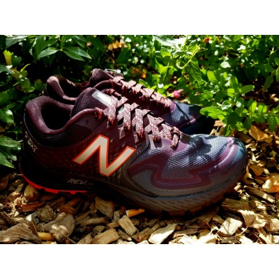 NEW BALANCE Summit K.O.M....